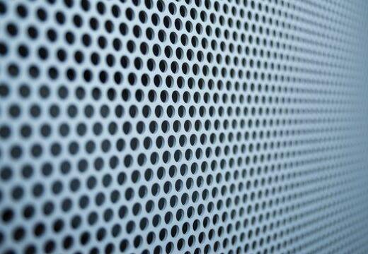 補聴器のハウリング(ピーピー音)の原因と対処方法