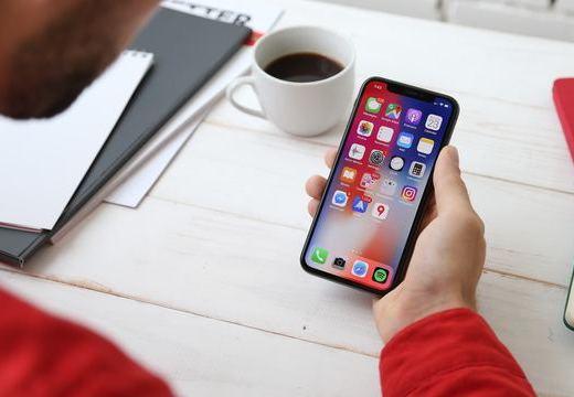スマートフォンのアプリが補聴器代わりになる?